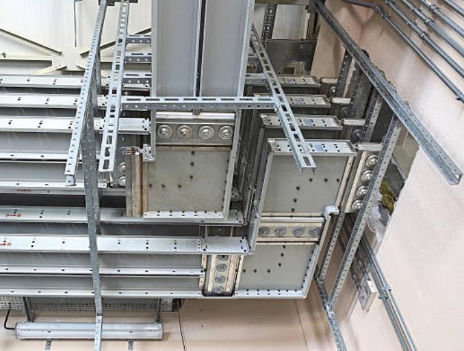 Stahlprofile für Installationen
